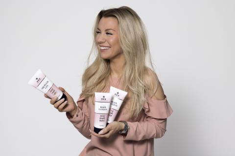 Sveriges största Youtube-stjärna Therése Lindgren och det svenska kosmetikföretaget CCS lanserar ny vegansk skönhetsserie