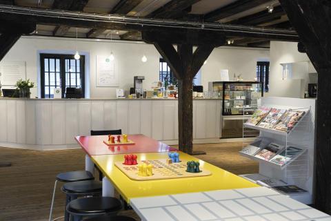 Form/Design Center Café