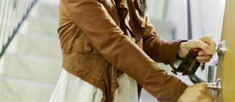 Ikke la innbruddstyver ødelegge påskeferien – slik sikrer du boligen din