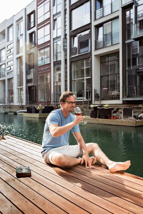Vannet mellom husene gir gode opplevelser i Sluseholmen