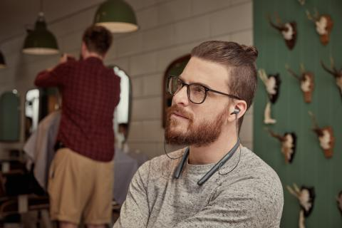 h.ear in 2 Wireless (WI-H700) lifestyle