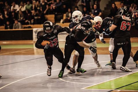 Pressinbjudan: I morgon: säsongspremiär för Student-SM i amerikansk inomhusfotboll – Uppsala Snake Heads tar emot Stockholm Capitols