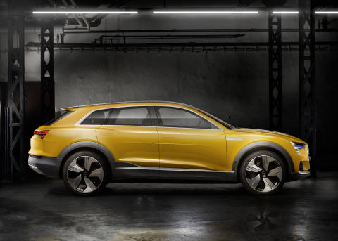 Audi h-tron quattro side