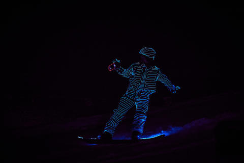 BUCK_LED_Snowboarders11