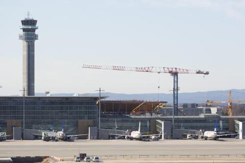 Bygging av ny jernbanestasjon mai 2013
