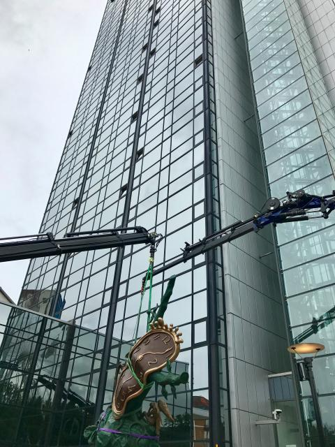 Salvador Dalís skulpturer till Gothia Towers