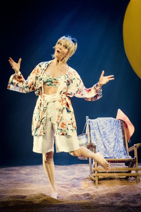 """Succé! Maria Lundqvist förlänger succéföreställningen """"Shirley Valentine"""" på Lorensbergsteatern, nypremiär våren 2018!"""