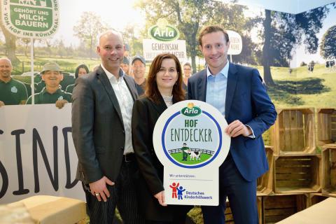 Presseinformation_Arla Foods und das Deutsche Kinderhilfswerk zeigen, wo die Milch herkommt