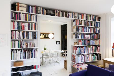 Elfa_Bookshelf livingroom