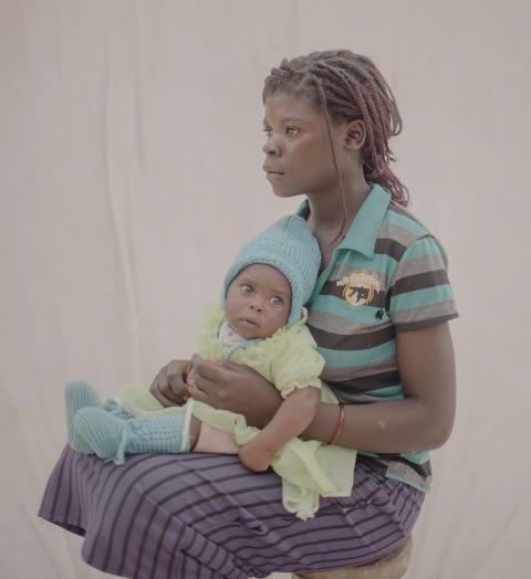 Taonga, 15 år med Margaret, 4 månader - Zambia.