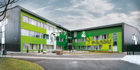 bygg med farger som påvirker psykososialt miljø – Nickby Hjerte – tegnet av Pentti Kareoja som er med og holder foredrag fredag 20. oktober.