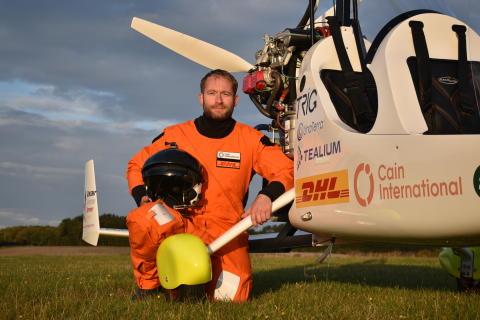 DHL supporterar James Ketchell på hans historiska flygning runt jorden