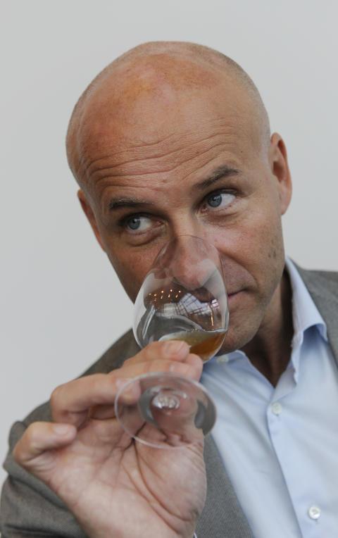 Med näsa för champagne – Richard Juhlin föreläser i Stockholm