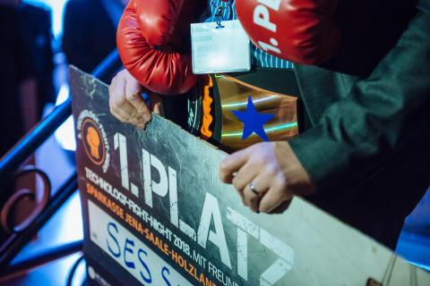 Tech-Fight-Night Champion 2018