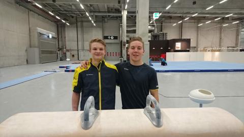 Stockholmsgymnasterna David Rumbutis och Kim Wanström på 17:e respektive 20:e plats på junior-EM i manlig artistisk gymnastik