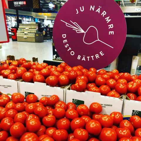 Tomater från lokal odlare märkta med det nya sigillet