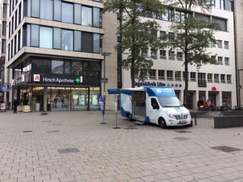 Beratungsmobil der Unabhängigen Patientenberatung kommt am 18. März nach Ulm.
