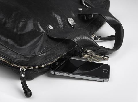Skärmskydd i härdat glas till smartphones och surfplattor .