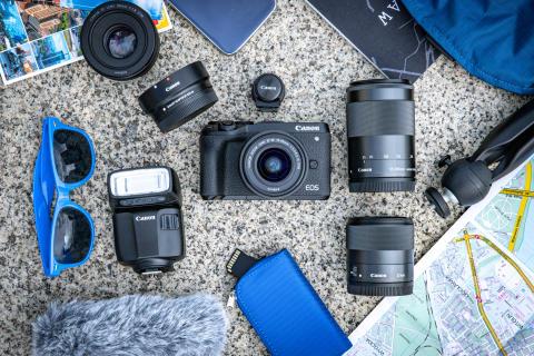 Onko harkinnassa pienikokoinen peilitön kamera? Canon EOS M6 Mark II kulkee aina mukana!