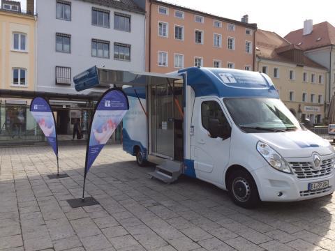 Beratungsmobil der Unabhängigen Patientenberatung kommt am 11. März nach Deggendorf.