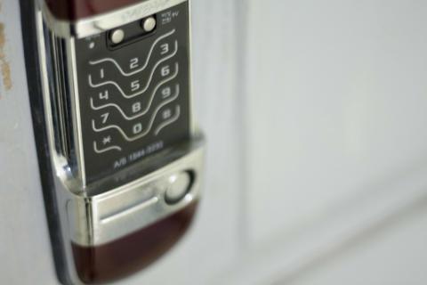 Tre av tio vill byta till digitala lås