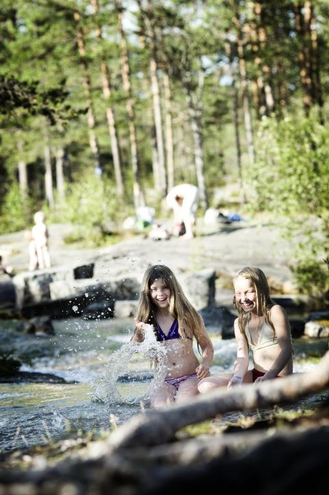 Swimming at Forsaån, Bräcke