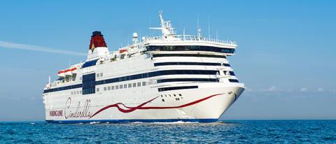 Rekordmånad för Viking Line i juli – närmare 950 000 passagerare valde de röda båtarna