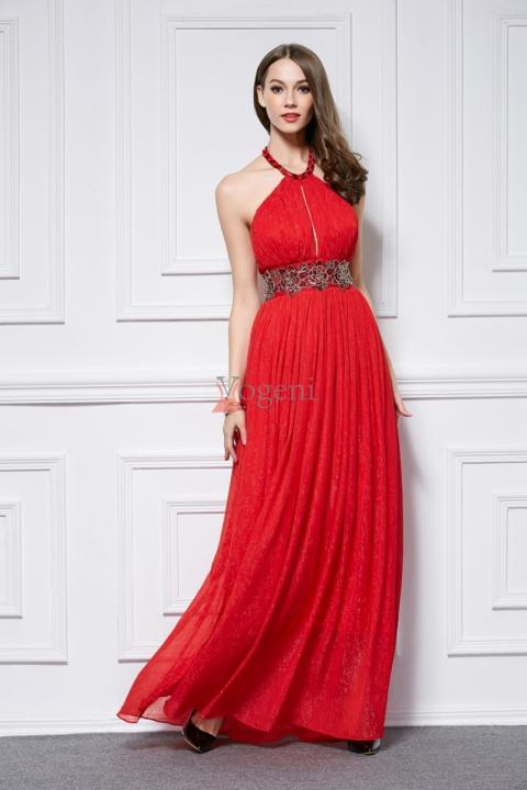 Vad är det egentligen med en röd klänning? Dig själv! Hur Man Bär Röd Klänning Med Förtroende