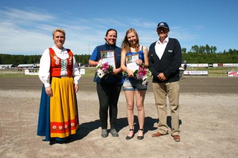 Järvsöfaks Ungdomsstipendium till Hanna Edvinsson och Lisa Gilljam