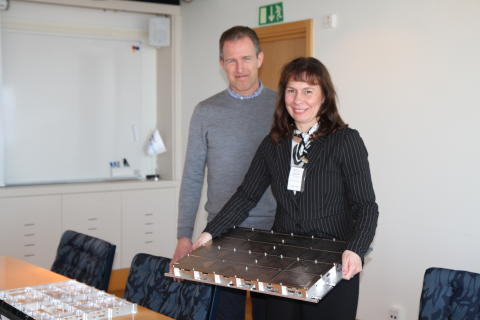 Rymdansvarig Riksdagsledamot för Moderaterna Marie-Louise  Hänel Sandström besöker RUAG Space i Göteborg