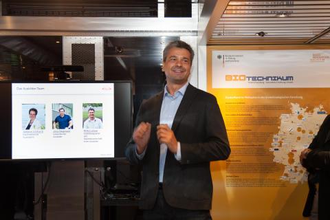 BioTechnikum in Singen: Takeda Ausbildungsleiter Mirko Leisse