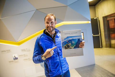 Kronprinz Haakon bei der feierlichen Eröffnung der neuen Anlage (1)