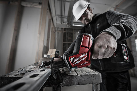 Milwaukee M12 3.0 og 6.0 Ah batterier