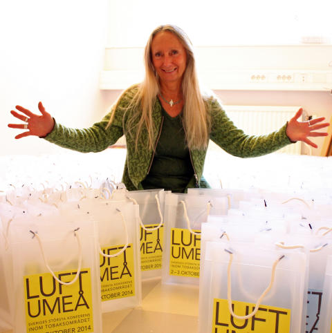 Ywonne Wiklund, hälsoutvecklare i Västerbottens läns landsting arbetar med LUFT-konferensen i Umeå