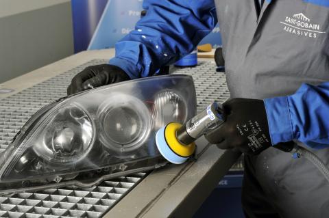 Renovering av strålkastarglas