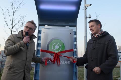 Statoil første bensinkjede med hurtiglader