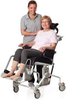 vikten av komfort swift mobil duschstol med komfortsits etac. Black Bedroom Furniture Sets. Home Design Ideas