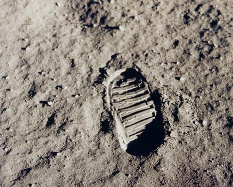 apollo-11-bootprint_7610985594_MOON LANDINGS LOST TAPES