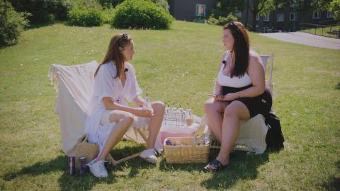 Hanna och Cassandra i Löfbergs Frågan