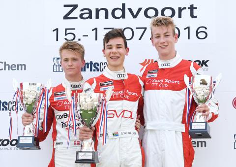 Podiepladserne til fjerede løbsweekend i Audi SPort TT Cup 2016. Fra venstre Nicklas Nielsen, Sheldon van der Linde (ZA) og Max Hofer (A)