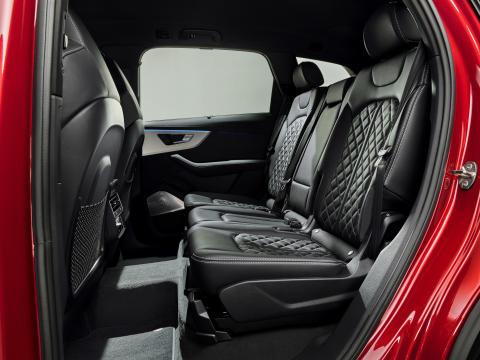 Audi Q7 (Matadorrød)