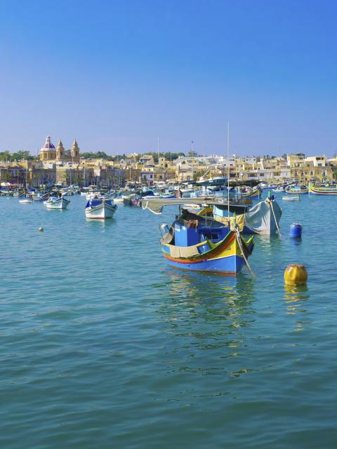 Malta - Tradisjonelle fiskebåter i havnen