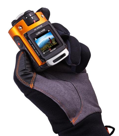 Ricoh WG-M2 orange i hånd