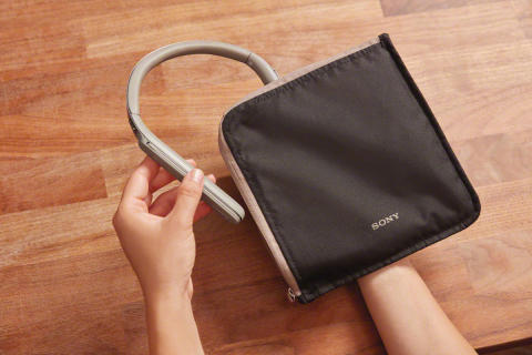 WI-1000X_N_CarryingPouch-Mid