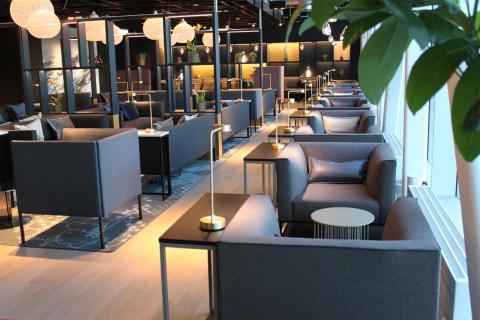 Åpning av business lounge på Sola