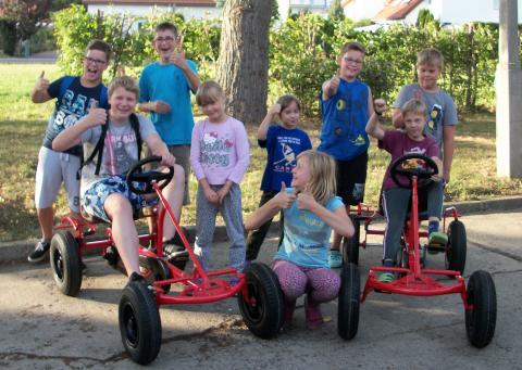 Cochlear spendet dem Kinder- und Jugendhaus Merseburg