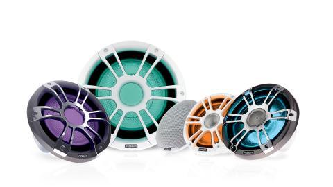 Garmin® och Fusion® presenterar Signature Series 3, marina högtalare och subwoofers med branschens första LED-belysning i femfärg