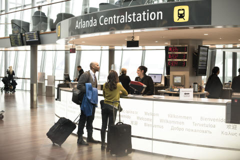 """Arlanda blev """"Airport of the Year"""" i Global AirRail Awards 2014"""