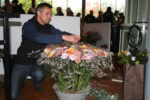Tomas Kallin i i final på Interfloras SM i blomsterbinderi 2010