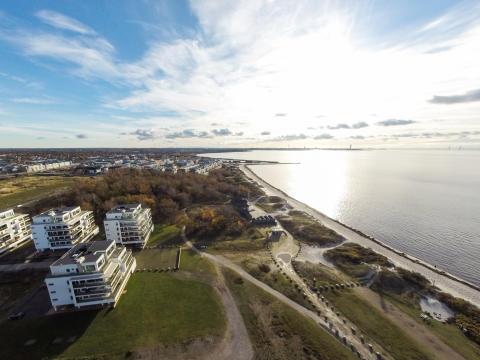 Mäklare och svenska folket eniga: bygg billigare bostäder!